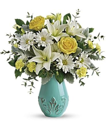Teleflora\'s Aqua Dream Bouquet