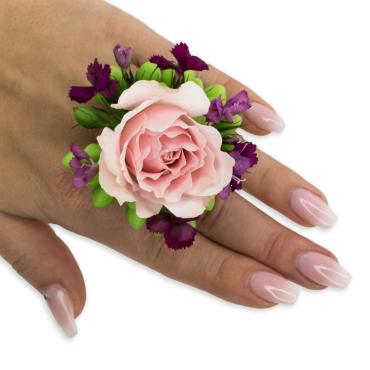 Prepster Floral Ring